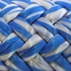 Photo d'un cordage ame dyneema ensimée blanc et bleu albatros