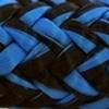 Une photo d'un cordage bleu et noir